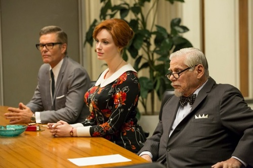 Mad-Men-Field-Trip-Harry-Hamlin-Christina-Hendricks-and-Robert-Morse1jt